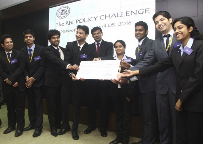 Rbi hindi essay competition